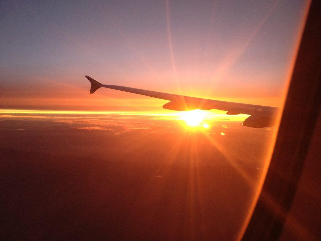 airplane-1733664_1280